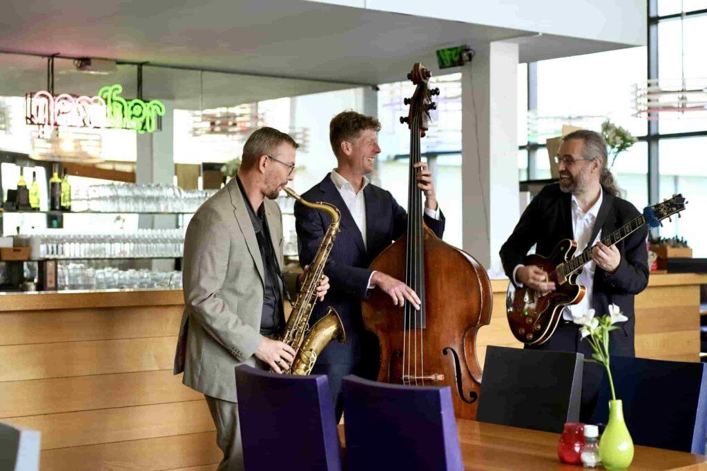 Jazz Saxofonist boeken? | Fresh Jazz Agency
