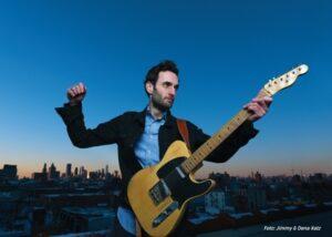 Jazz Gitaristen waar we de laatste tijd obsessief naar luisteren - Fresh Jazz Agency