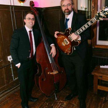 Jazz Band Gitaar + Contrabas | Fresh Jazz Agency