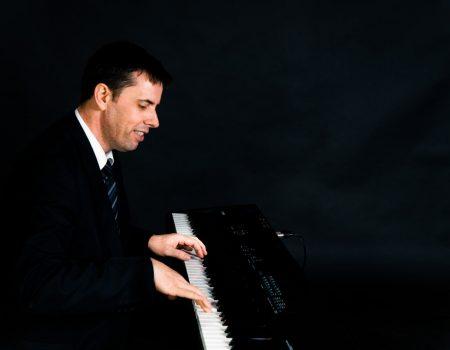 Solo Jazz Pianist | Fresh Jazz Agency